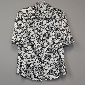 Capacity Unlimited floral button up blouse